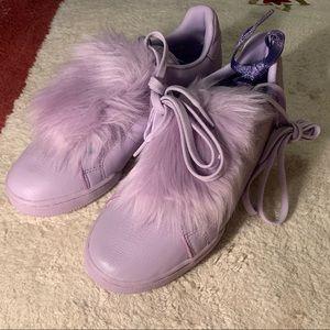 NEW Reebok purple sneaker with cute fur